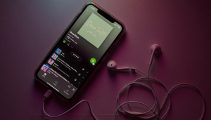 Play A Specific Song On Spotify Mobile For Free